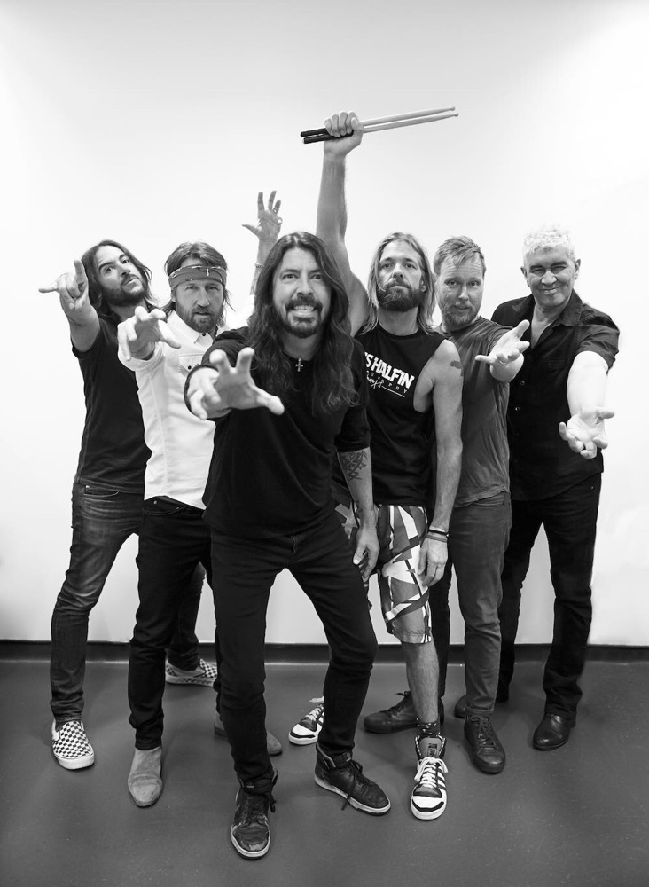 Foo Fighters Heading for No. 1 on Billboard 200 Albums Chart With Concrete and Gold   Billboard